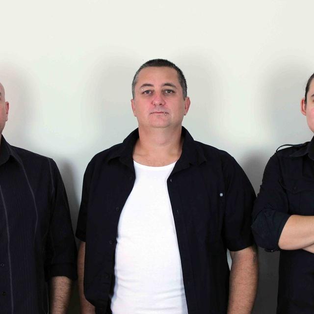 Replika rock trio